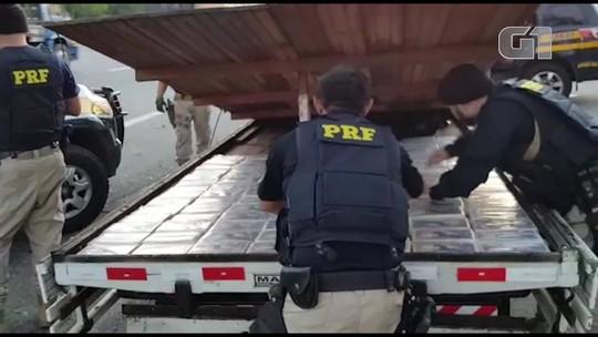 PRF apreende 110 kg de cocaína em fundo falso de carreta na Dutra