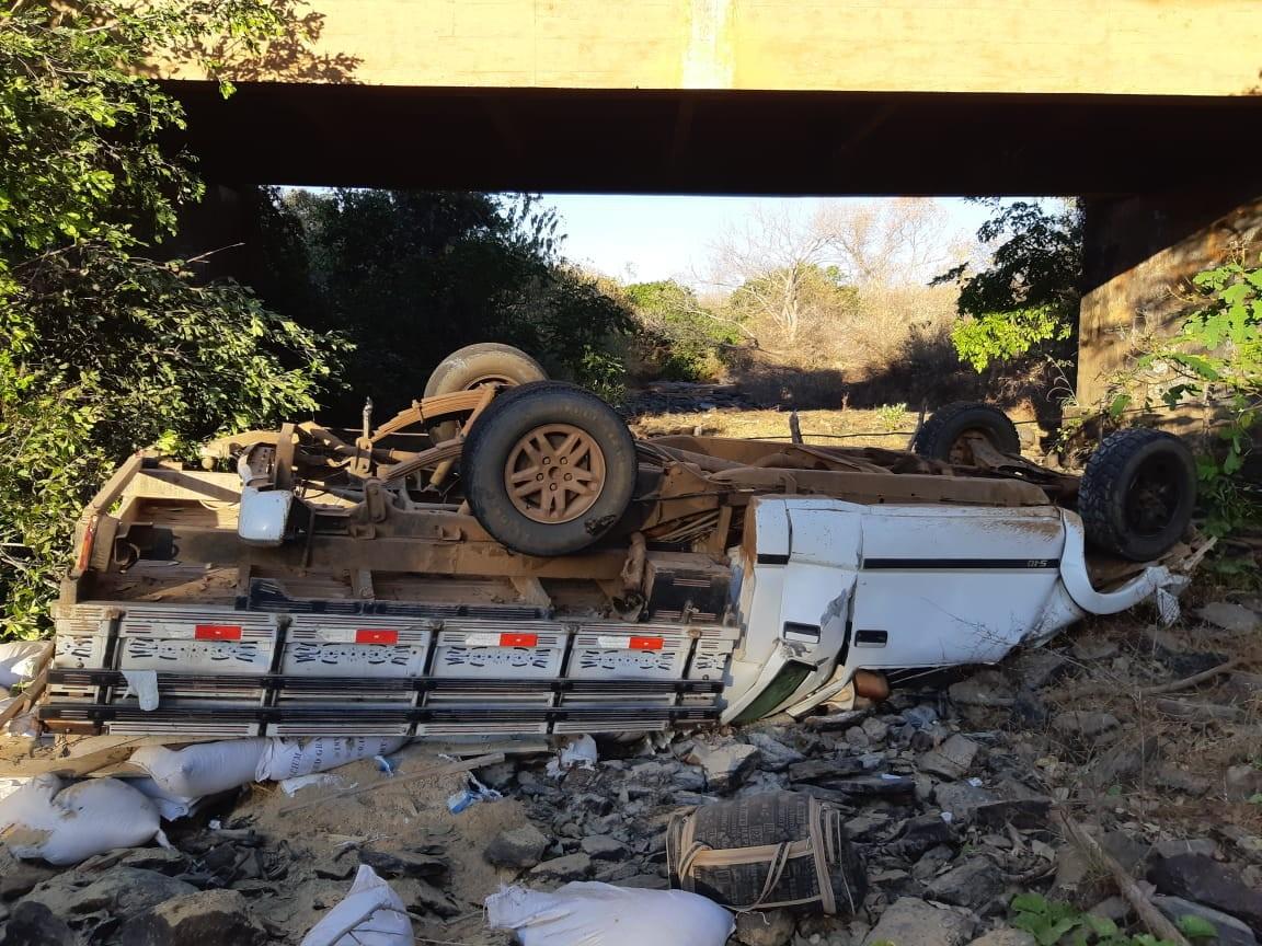 Presidente de câmara de vereadores em SE morre após cair de ponte em acidente no Piauí
