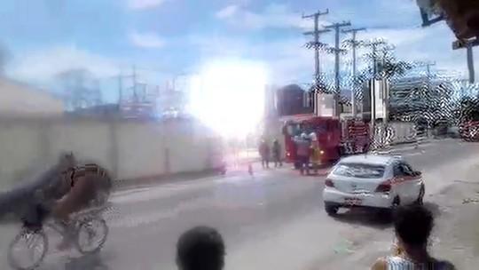 Explosões em subestação da Enel no Centro de Araruama, RJ, assustam e bombeiros são chamados; vídeo