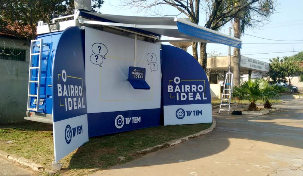 A van do projeto 'O Bairro Ideal', com a urna de votação, ficará estacionada ao lado do posto de saúde do Jardim Godoy — Foto: TV TEM/Reprodução