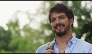 Na segunda-feira (21), Marcos (Romulo Estrela) ficará sabendo que Paloma (Grazi Massafera) e Ramon (David Junior) não estão mais juntos | TV Globo