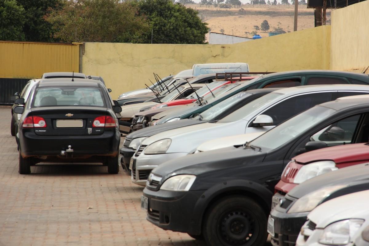 Roubos de veículos no DF são praticados por menores em 69% dos casos, diz secretaria