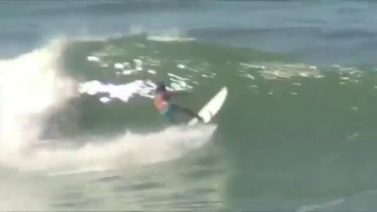 De olho na elite, Monik Santos desponta no reaquecimento do surfe feminino no Brasil