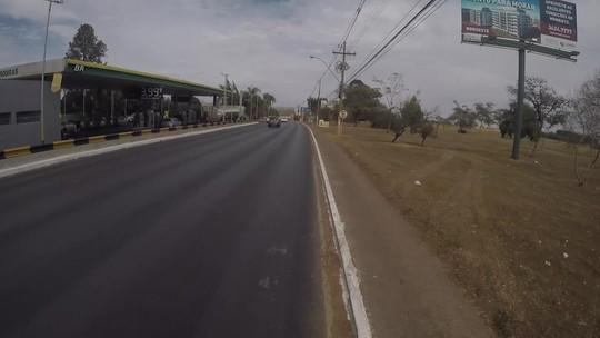 Repórteres do 'Pedalando' usam a bike no Dia Mundial sem Carro