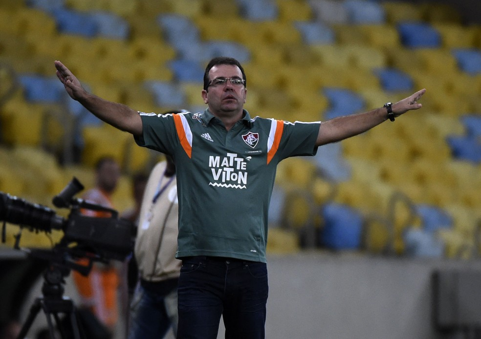 Enderson Moreira após a goleada sofrida à frente do Fluminense contra o Palmeiras — Foto: André Durão