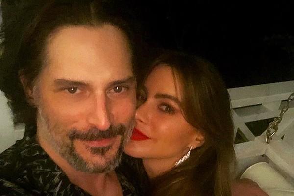 A atriz Sofía Vergara com o marido, Joe Manganiello, nas férias dos dois no Caribe (Foto: Instagram)