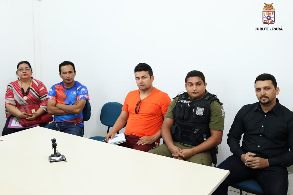 -  Reunião com representantes de órgãos de segurança definiu esquema para o Festribal 2018  Foto: Fábio Santarém/Ascom PMJ/Divulgação