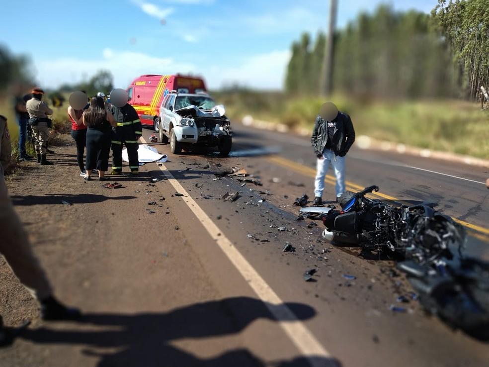 Acidente foi registrado na manhã deste domingo (30), na BR-262 — Foto: Sérgio Saturnino/TV Morena