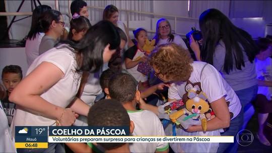 Voluntárias garantem presentes de Páscoa para criança da Apae de Bauru
