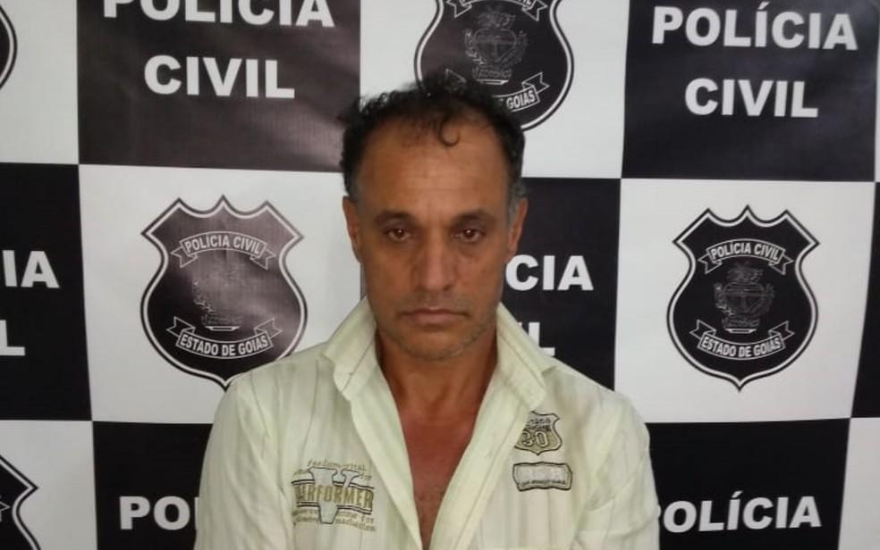 Lindomar Teixeira Alves, 46 anos, assumiu ter enterrado o corpo, mas negou ser responsável pela morte da mãe — Foto: Polícia Civil/Divulgação