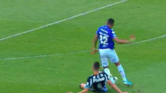 Daniel Alves estreia no São Paulo e faz gol da partida contra o Ceará pelo Brasileirão