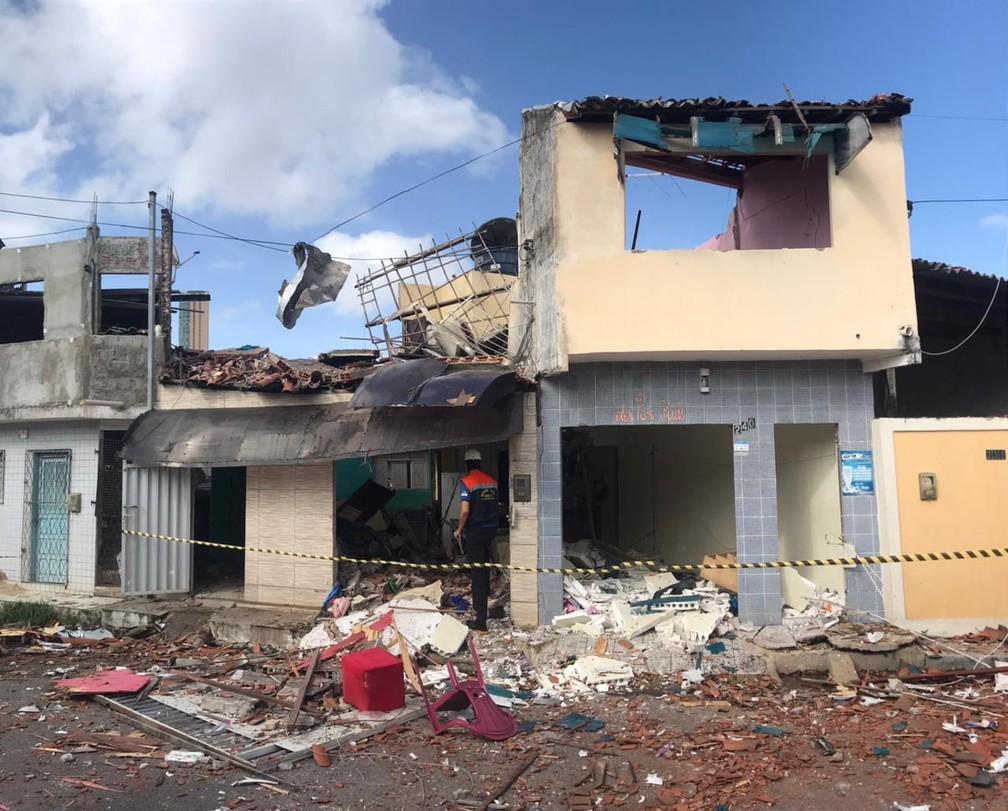 Imóvel atingido por explosão no bairro das Rocas, na Zona Leste de Natal. — Foto: Kleber Teixeira/Inter TV Cabugi