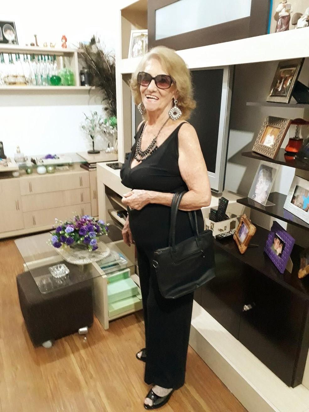Geoneva Leal, de 86 anos, foi para a casa da filha Júlia, enquanto está em vigor o isolamento social por conta do coronavírus — Foto: Arquivo pessoal