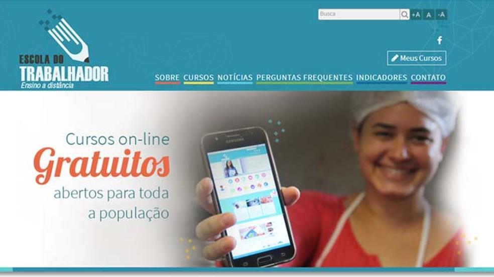 Escola do Trabalhador oferece cursos online gratuitos a fim de combater o desemprego (Foto: Reprodução/ Escola do Trabalhador)