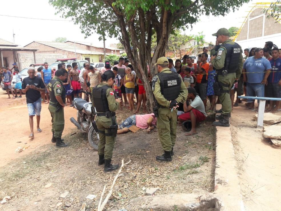 Momento em que a polícia chegou ao local onde aconteceu o crime em Santarém (Foto: Carpegiane Aguiar/Arquivo pessoal)