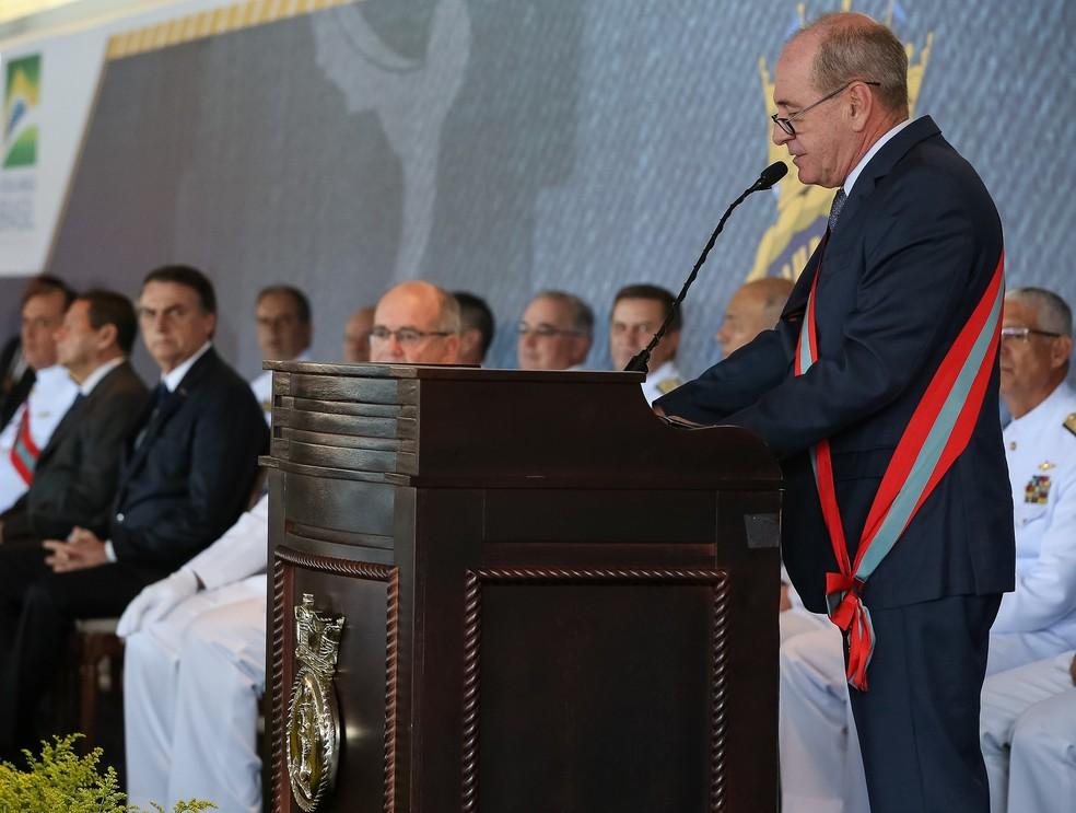 O ministro da Defesa, Fernando Azevedo e Silva, durante discurso em cerimônia de troca de comando da Marinha na manhã desta quarta (9) em Brasília. — Foto: Marcos Corrêa/Presidência da República
