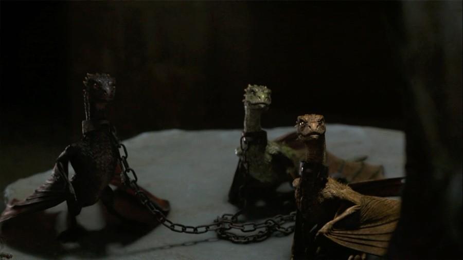 Drogon, Rhaegal e Viserion ainda filhotes em Game of Thrones (Foto: Reprodução/HBO)