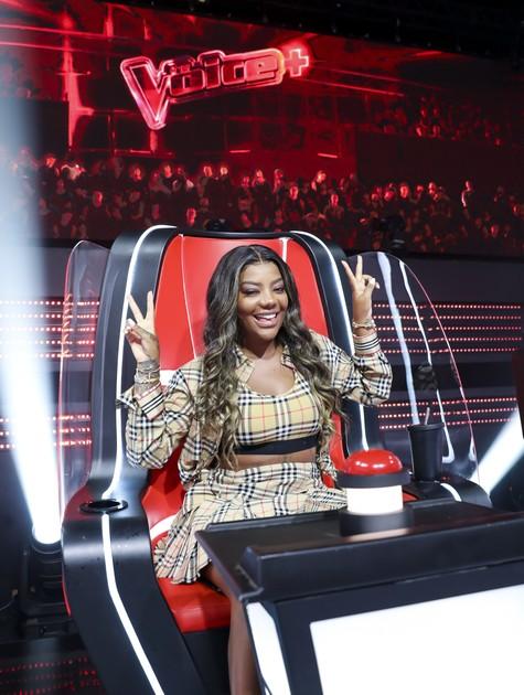 Ludmilla na cadeira de técnica do 'The voice+' (Foto:  Rede Globo / João Miguel Jr.)