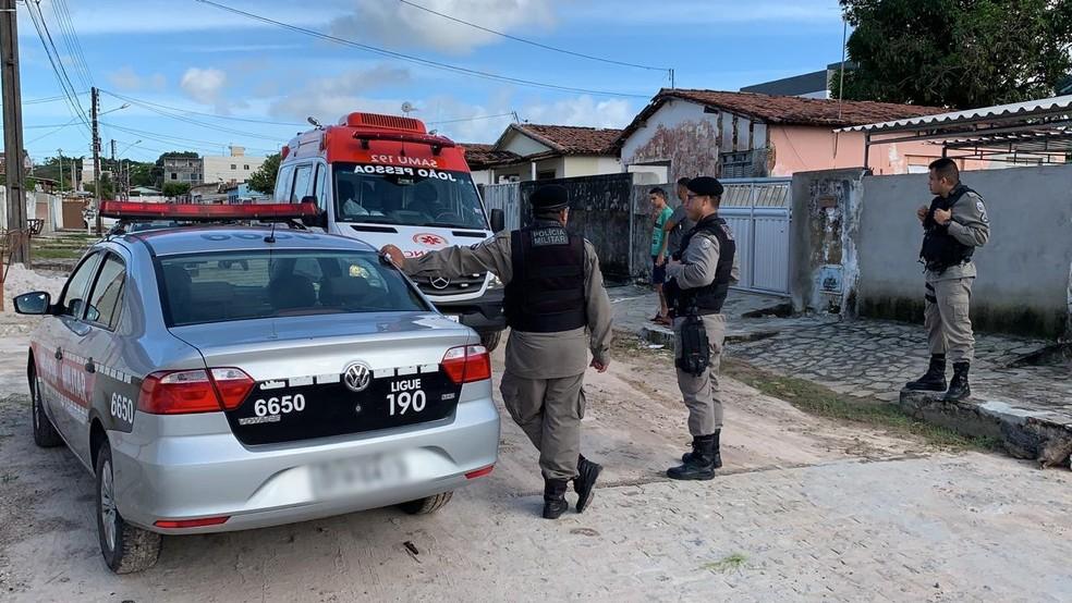 Crime aconteceu no bairro do Valentina, em João Pessoa — Foto: Walter Paparazzo/G1