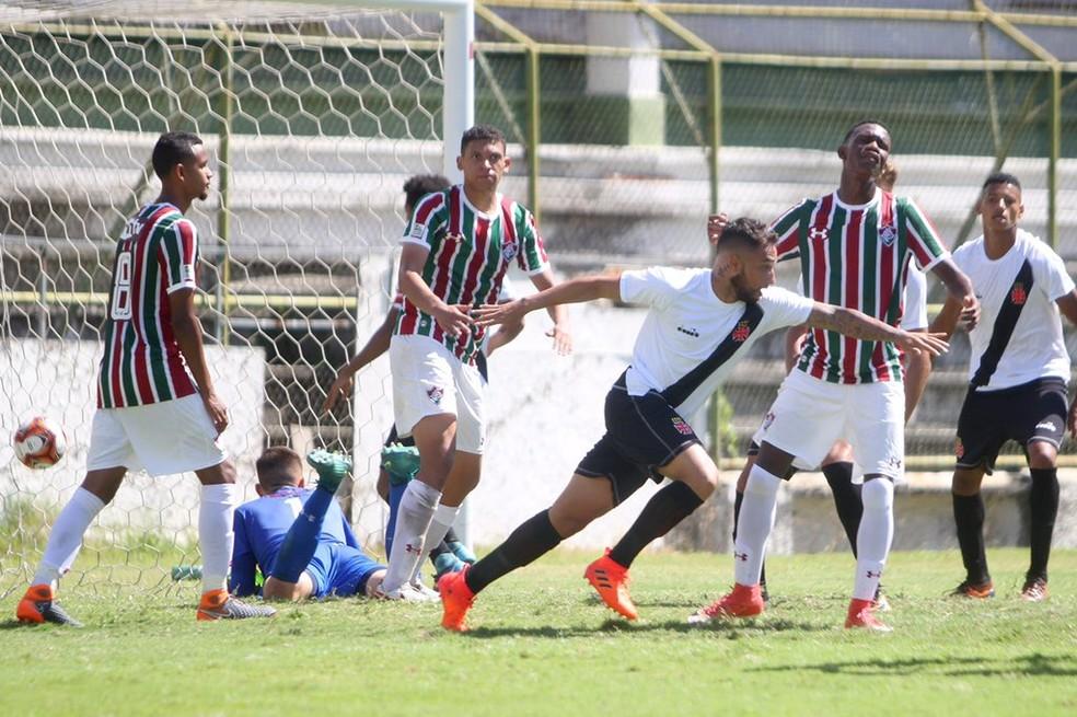 7a1d811fc6 ... Vasco e Fluminense se enfrentaram na semifinal do Carioca sub-20 —  Foto  Paulo