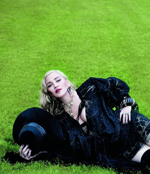 Madonna: ensaio em Lisboa (Foto: Reprodução Vogue Italia/Mert Alas)