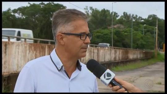 Dia Mundial da Água: aguapés no Rio Pará seguem sem solução em Divinópolis e Carmo do Cajuru