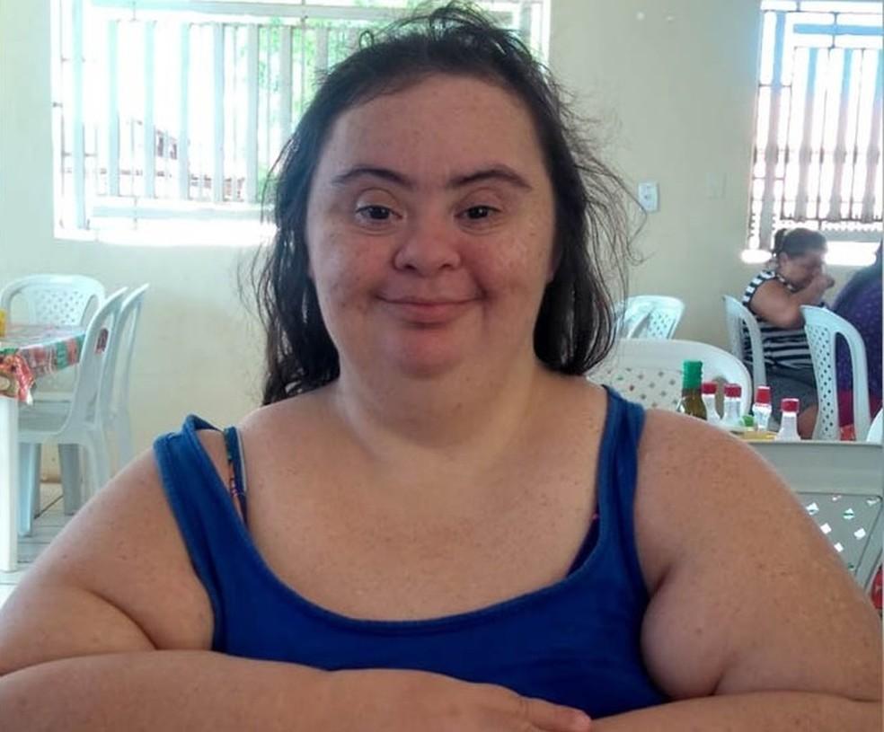 Anaísa Silva de Castro tinha 42 anos e morreu de Covid-19 em Mossoró — Foto: Arquivo da família