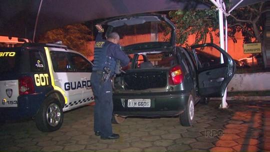 Carro roubado é recuperado em Foz