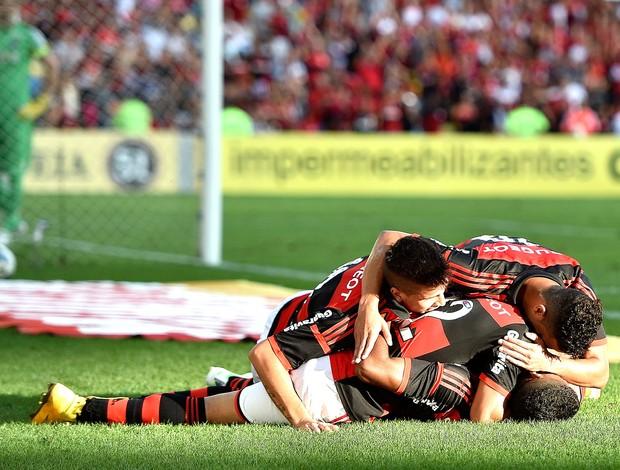 comemoração do Flamengo contra o Coritiba (Foto: Getty Images)