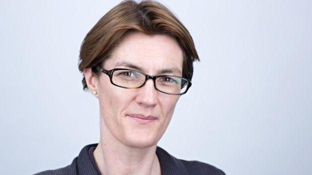 Niamh McKenna, da consultoria Accenture, diz que o diagnóstico de smartphone tem 'grande potencial'  (Foto: Accenture/via BBC News Brasil)