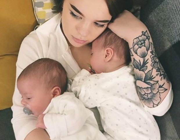 Emily com os gêmeos (Foto: Reprodução Instagram)
