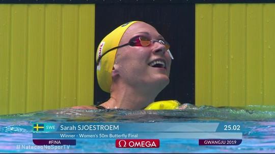 Sarah Sjoestroem vence os 50m borboleta com 25.02