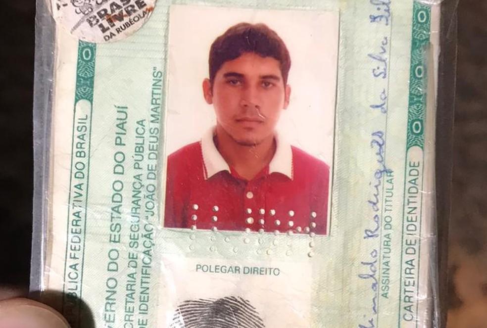 Antônio foi morto e a suspeita é de que ele estivesse agredindo a companheira — Foto: Divulgação/PMPI
