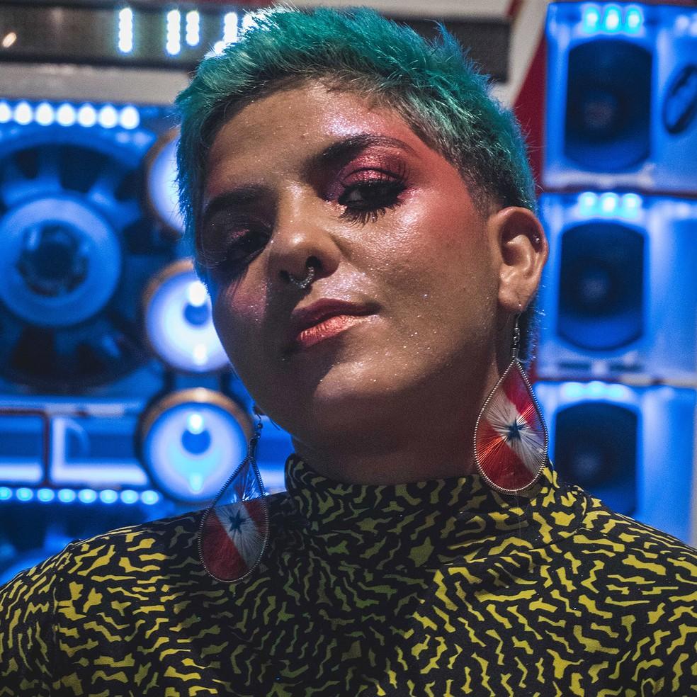 Keila Gentil assina a letra de 'Brega doido' com Maderito, da Gang do Eletro — Foto: Divulgação