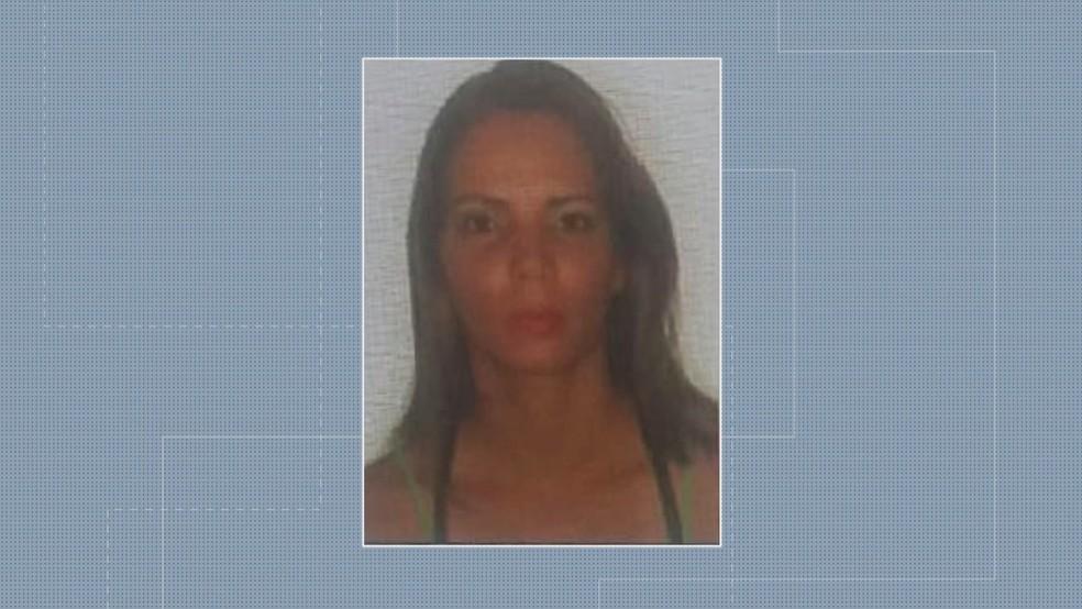 Carla Graziele Rodrigues Zandoná, que morreu ao cair de apartamento (Foto: Reprodução/TV Globo)