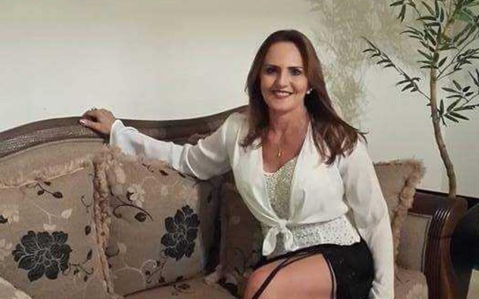 Roseli Aparecida de Oliveira é encontrada morta dentro de carro às margens da BR-452, em Goiás — Foto: Reprodução/ TV Anhanguera