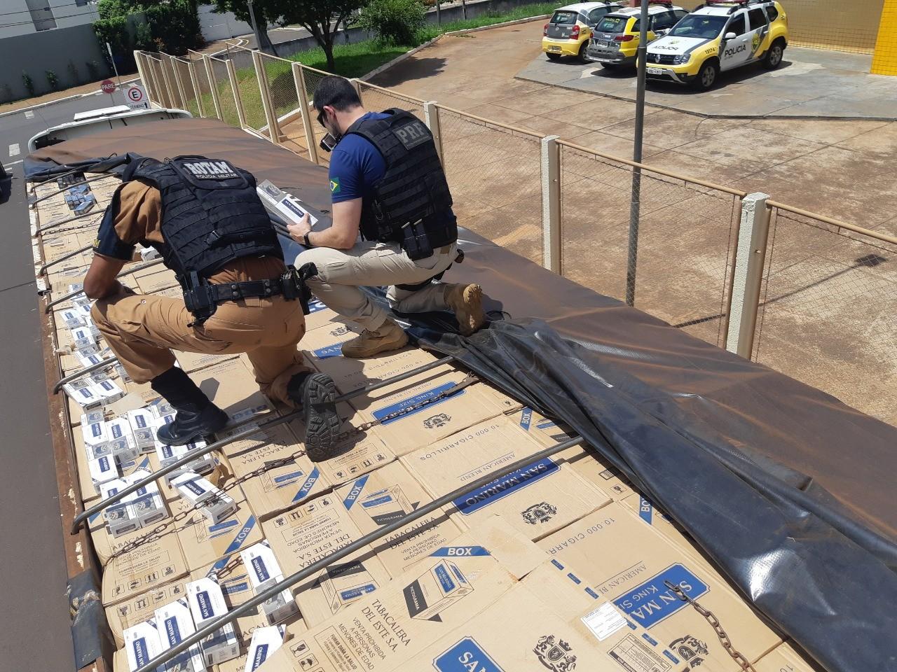 Motorista é preso com mais de 450 mil carteiras de cigarro em carreta, em Umuarama