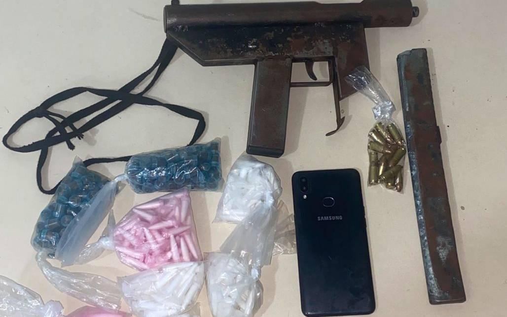 Suspeito de tráfico de drogas morre após troca de tiros com PMs no bairro de Sussuarana, em Salvador