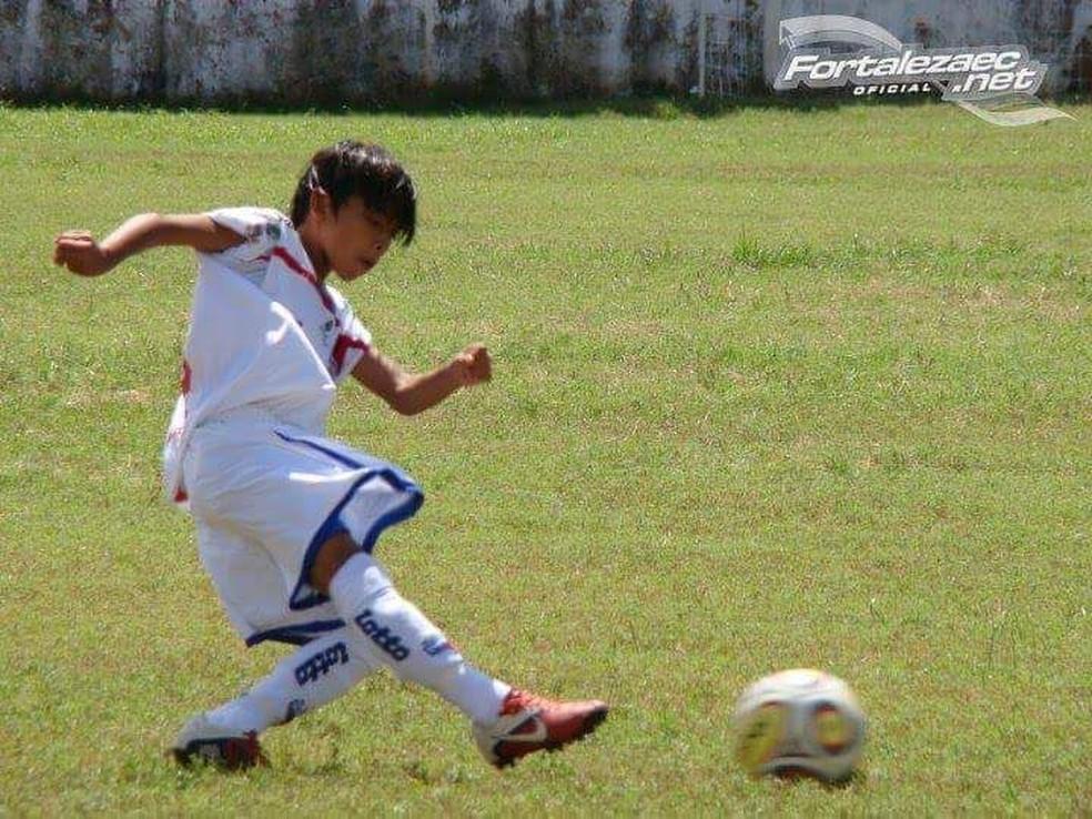 Wallace, em 2011, fez testes no Fortaleza (Foto: Arquivo Pessoal)