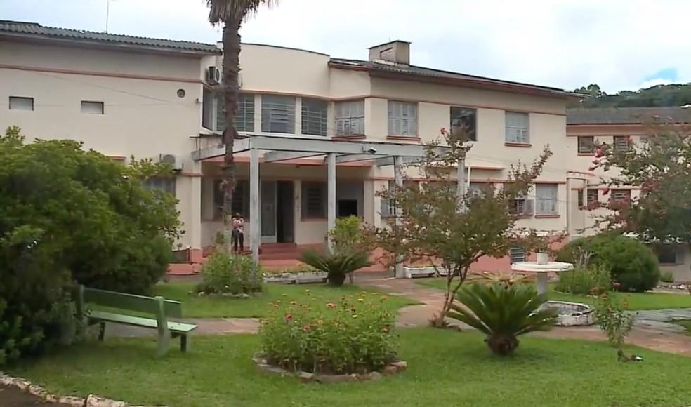 Hospital de Boqueirão do Leão tem aumento crítico de internações por Covid-19 — Foto: Reprodução/RBS TV