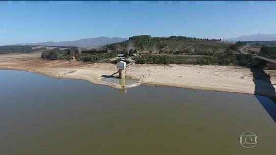 Após 3 anos de seca, Cidade do Cabo, na África do Sul, pode ficar sem água