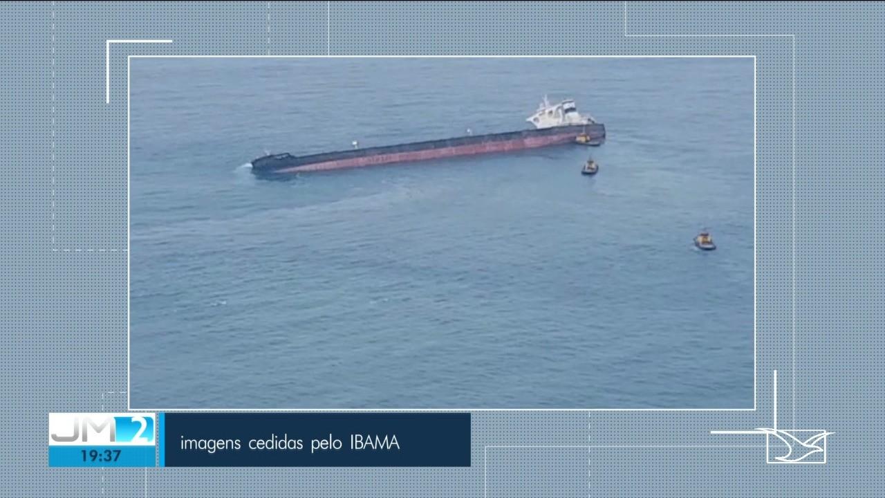 Ibama e Marinha não descartam risco de vazamentos em navio encalhado com minério de ferro na costa do MA