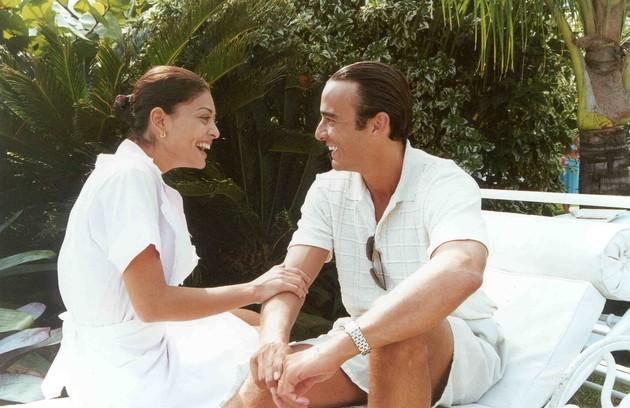 Juliana Paes foi Ritinha em 'Laços de família' (2000) e deixava o personagem de Alexandre Borges enfeitiçado (Foto: TV Globo)