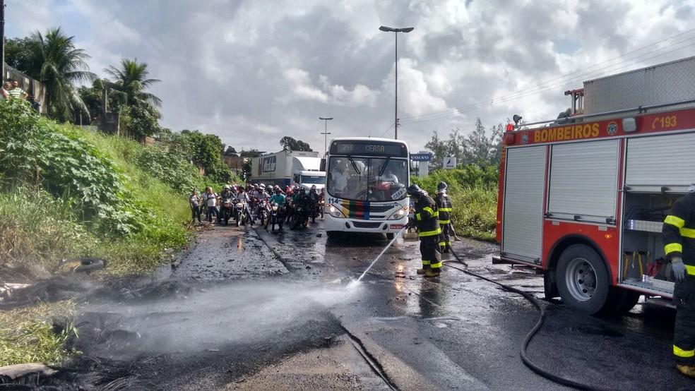 Sentido Sul da BR-101 foi liberado, no Recife (Foto: Leonardo Cruz/TV Globo)