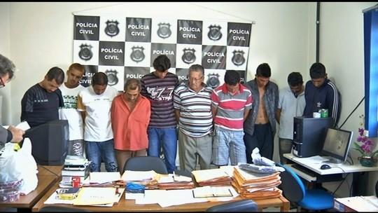 Idoso de 80 anos e mais 9 são presos suspeitos de traficar drogas, em GO