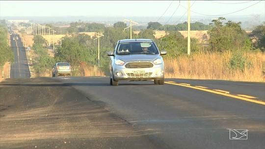 Motoristas desrespeitam leis de trânsito na BR-230 no Maranhão