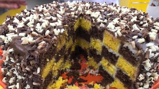 Bolo Xadrez de Cenoura com Chocolate
