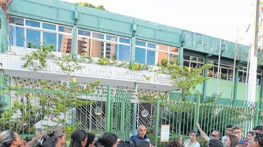 Dossiê feito por grêmio estudantil sobre assédio de professores em escola de Fortaleza gera ação do Ministério Público