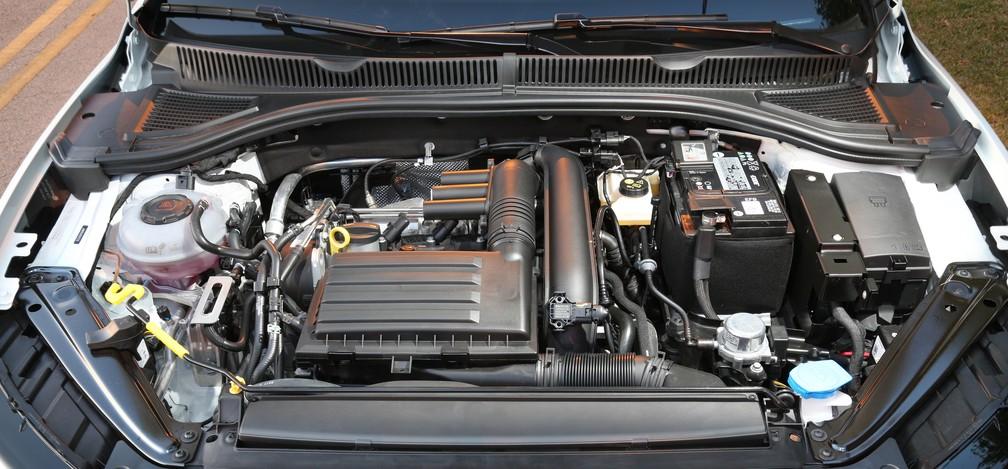 Motor 1.4 turbo do Volkswagen Jetta — Foto: Divulgação