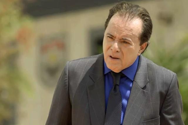 Tony Ramos é Olavo em 'O Sétimo Guardião' (Foto: TV Globo)